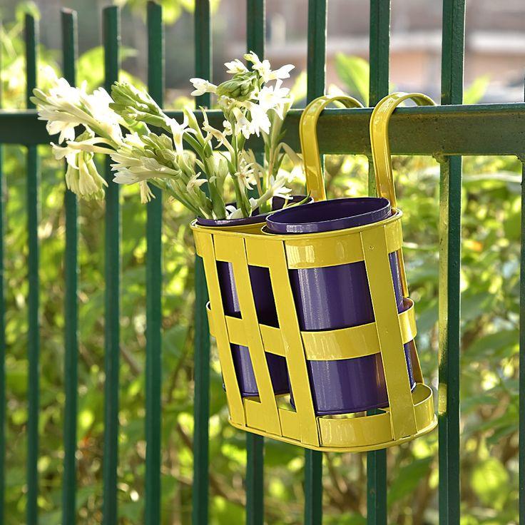 Hanging planter - set of 2 #planters #plant #garden #flowers #shazliving #pinit #pinterest #leaves #gardening Shop at: https://www.shazliving.com/
