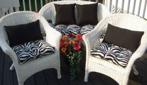Indoor / Outdoor Wicker Cushions And Pillows 7 PC SET   Black U0026 White Zebra  Print Cushions With Solid Black Pillows