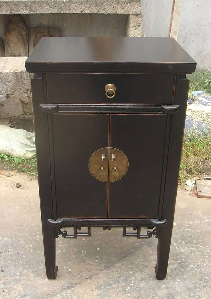 Nice Oriental End Table Antique Black Lacquer