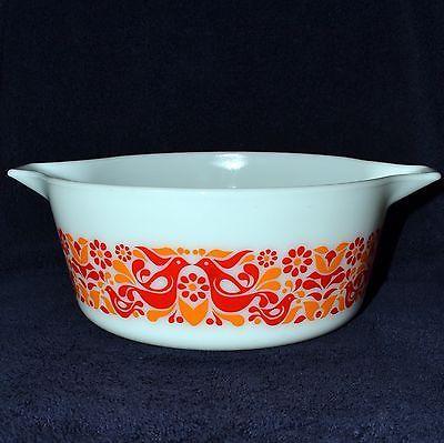 Pyrex casserole Vintage