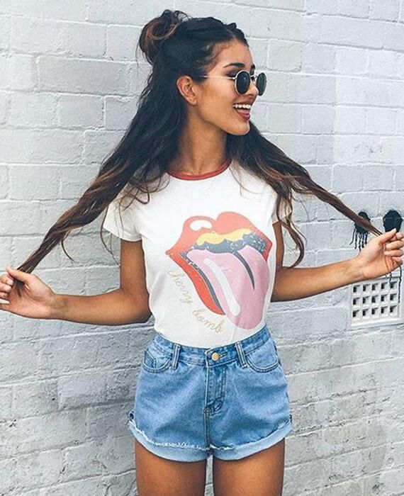 Round Neck Big Tongue Tops T-shirt – Meike Ramm