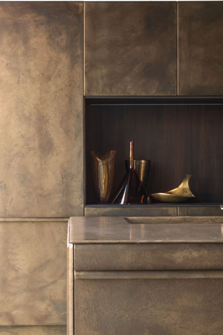 Kitchen with island LINGOTTO BURNISHED BRASS by Xera by Arex