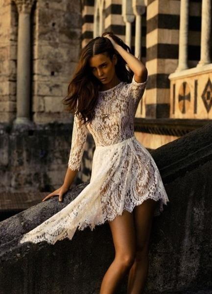 Позы для фотографии в платье