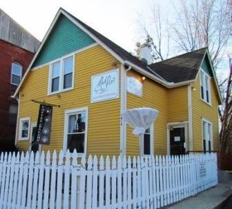 Mudd Pie Vegan Bakery And Coffeehouse In Kansas City Mo