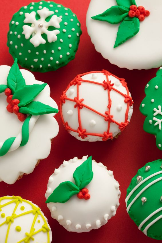 decorated cake | Christmas Holly Cupcake | Party Cupcake Ideas