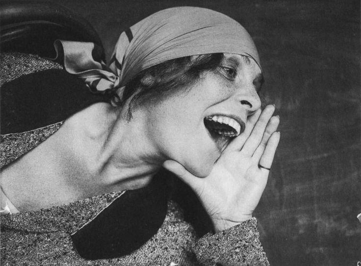 Александр Родченко. Лиля Брик. Снимок для рекламного плаката 1924