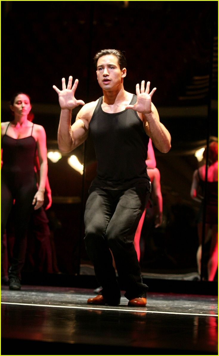 A chorus line with mara davi begins at marriott theatre -  A Chorus Line Whips Mario Lopez Into Shape