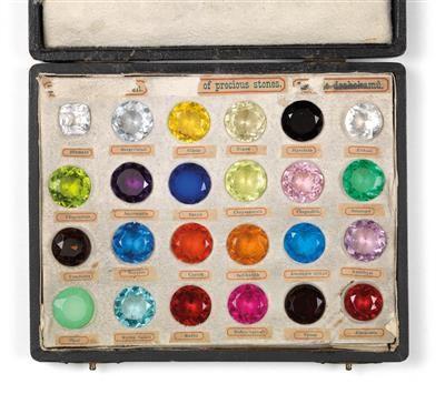 Ein Sammlung imitierter Edelsteine aus Glas   - Wert 1500 - 2000 €