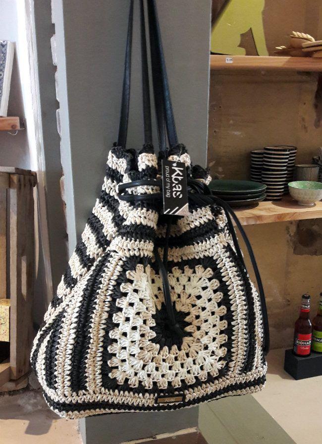 Granny #crochet bag   Happy in Red