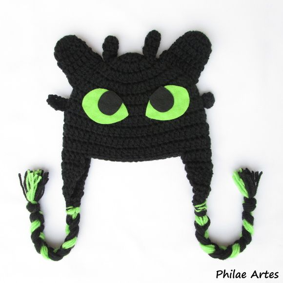 Touca de Crochê do personagem Banguela do filme Como Treinar o Seu Dragão - Beanie Crochet hat of the character Toothless from the movie How To Train Your Dragon - Touca de crochê de melancia - Beanie Crochet Hat Watermelon - Fruits Frutas - by Philae Artes
