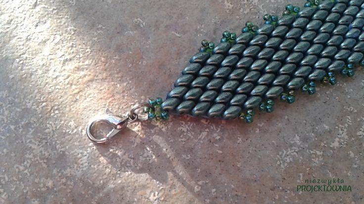 Zielona #bransoletka z koralików #Superduo, metalowe zapięcie typu karabińczyk. #beading #peyote #green #jewelry #handmade