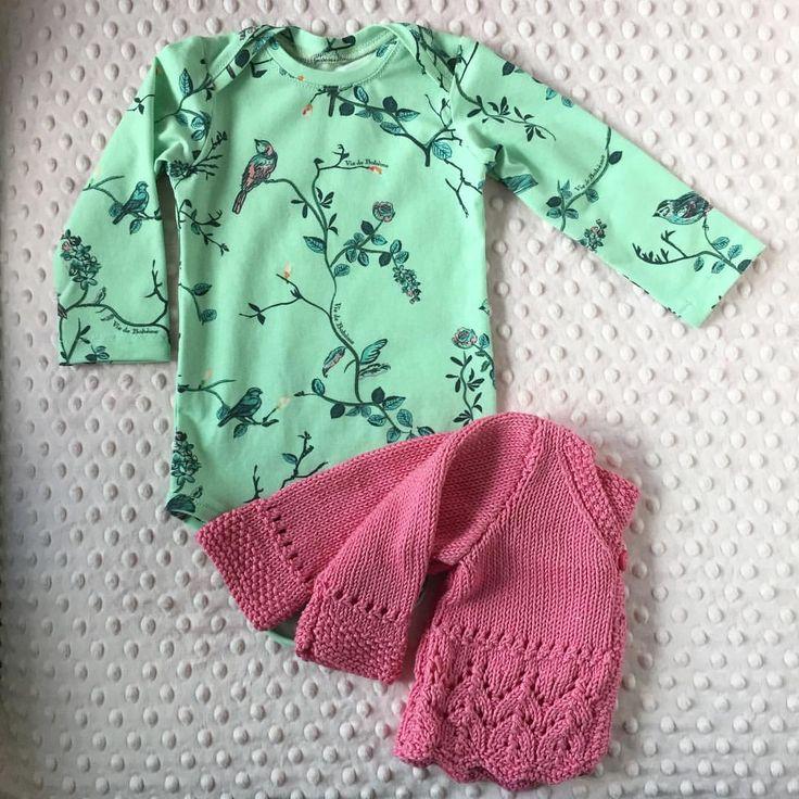 """7 gilla-markeringar, 1 kommentarer - Emmy's Garderob (@emmys_garderob) på Instagram: """"Vi älskar mintgrönt  stickad tröja av mormor, inte till salu #baby #barn #body #babybody…"""""""
