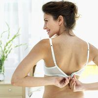 Whiten spandex bras with the right products to avoid damaging the fabric.