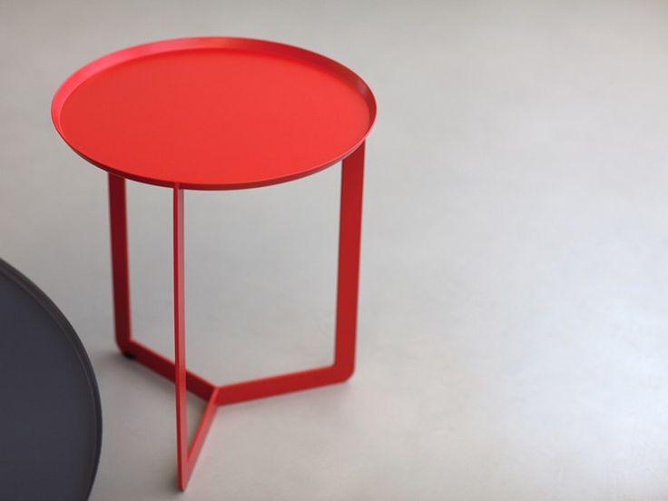 Round metal bistro side table for living room | MEME DESIGN