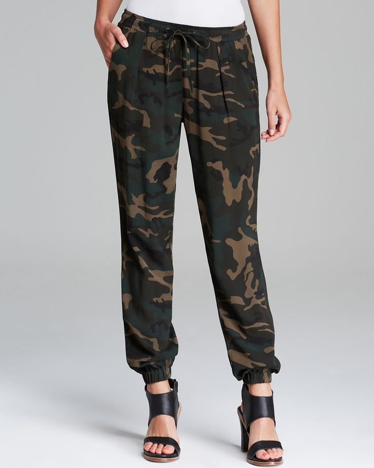 Sanctuary Camo Jogger Pants RETAI L$99+ ~WISH PRICE $48