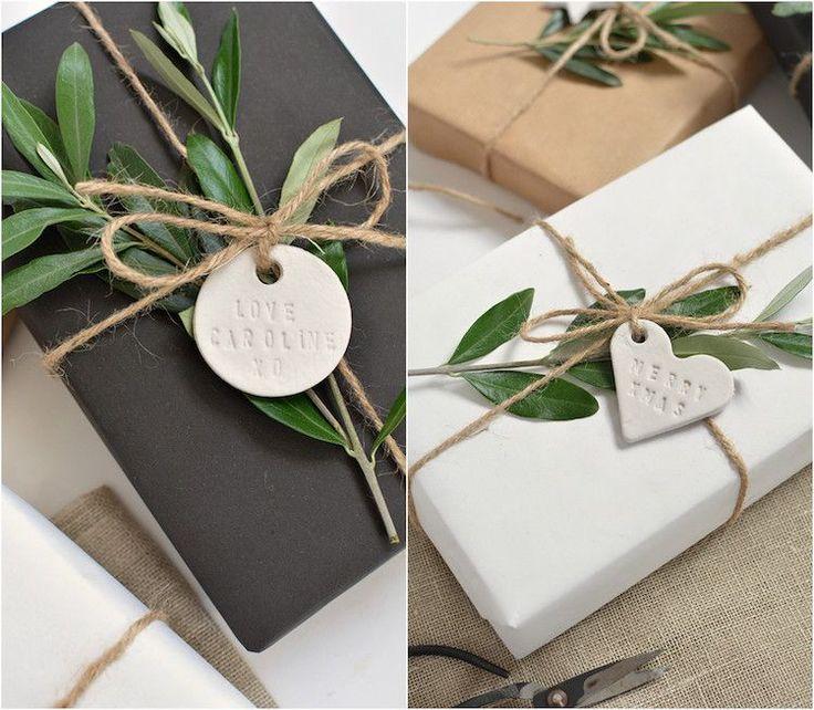 plus de 25 id es uniques dans la cat gorie etiquettes cadeaux noel sur pinterest tiquette de. Black Bedroom Furniture Sets. Home Design Ideas