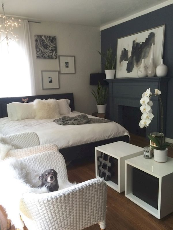 Decorate An Apartment Living Room: Best 25+ First Apartment Bedrooms Ideas On Pinterest