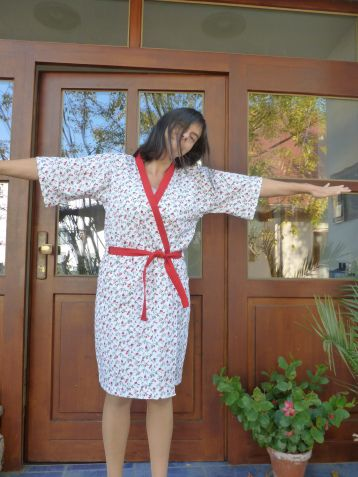 DIY Schritt für Schritt Anleitung Kimono - Bademantel selber Nähen Kostenloses Schnittmuster Freebie Tutorial