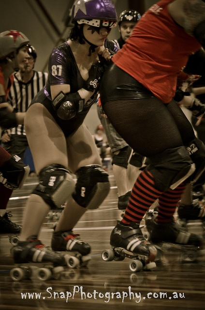 South Sea Rollerderby - Brawlesque