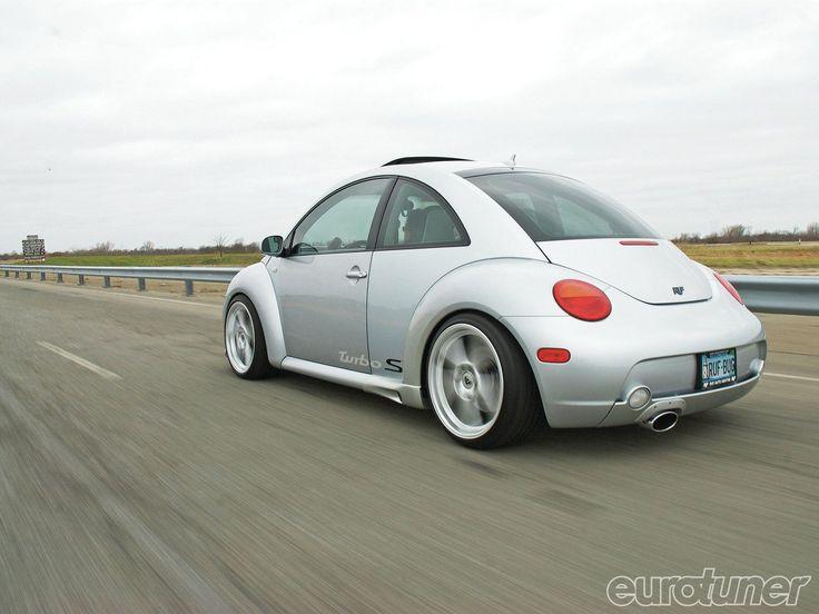 Eurp 1104 09 o+2002 vw beetle turbo s+rear view