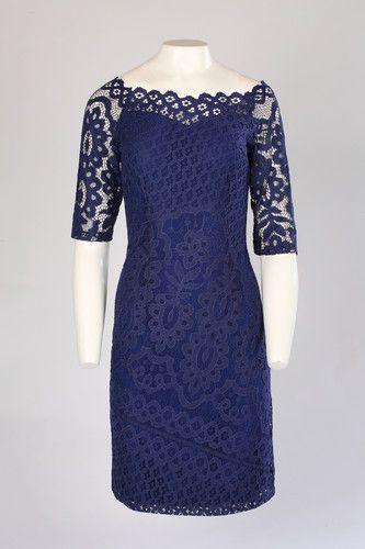 886b6de3fc Koronkowa granatowa sukienka z rękawem 3 4 . Sukienka na wesele dla mamy
