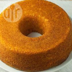 Bolo de cenoura de liquidificador - Esse é um bolo muito fácil e rápido de preparar, é só bater tudo e pronto. Ótimo com um cafezinho fresco.