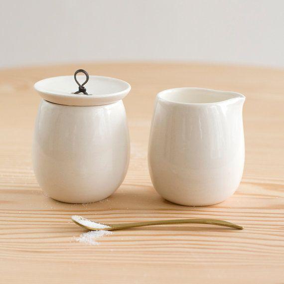 sugar & cream set: Modern Interiors Design, Design Room, Teas Accessories, Pigeon When, Cream Sugar, Products Photography, Cream Sets, Toe Ceramics, Design Home