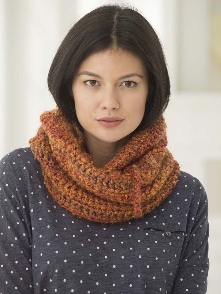 Drawstring Cowl Knitting Pattern : 1000+ images about Scarves on Pinterest Cowl scarf, Crochet infinity scarve...
