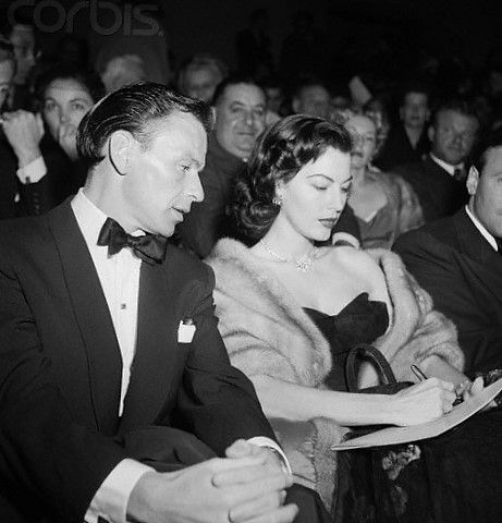 Last for today with Sinatra, Frankie with his beautiful wife Ava Gardner #franksinatra #classic #hollywood #avagardner