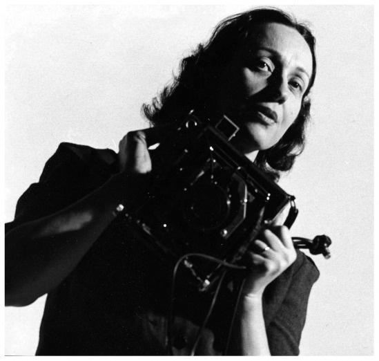 Barbara Morgan with Graflex –1940′s