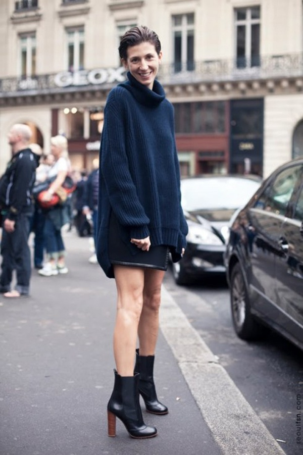 oversized knit + ankle boots.