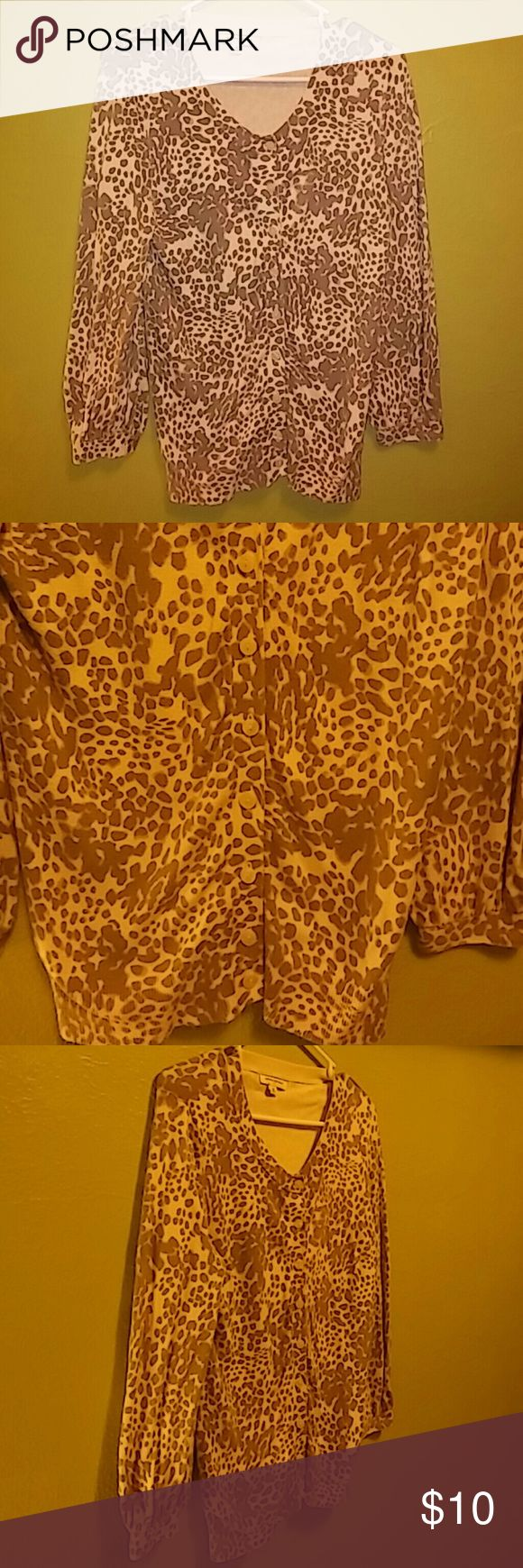 Banana Republic Leopard Size M In good condition Banana Republic Sweaters