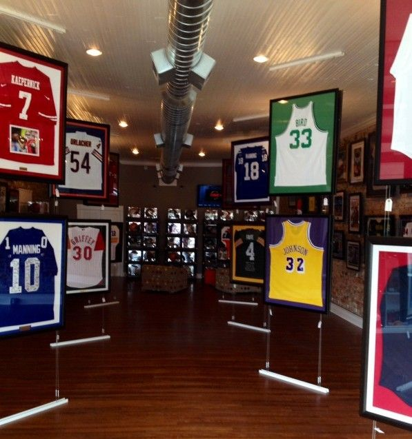 Framed Jerseys From Sports Themed Teen Bedrooms To: 17 Best Images About Sports Memoribilia On Pinterest