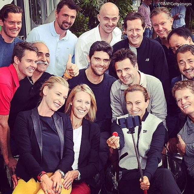 Une photo de légende(s) à l' @australianopen #ausopen 2015 : #Thomas #Enqvist, #Mansour #Bahrami, #Goran #Ivanisevic, #Michael #Chang, #Mark #Philippoussis, #Henri #Leconte, #Jonas #Bjorkman, #Wayne #Ferreira, #Todd #Woodbridge, #Iva #Majoli, #Barbara #Schett #Eagle, #Stubbs, #Ivan #Ljubicic, #Thomas #Johansson, #Fabrice #Santoro - 27 january 2015  Photo : AFP /Getty images