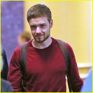 Liam Payne Se Levanta De La Piscina Como Superman, Henry Cavill Responde!