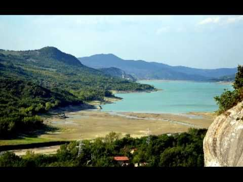 Pietraferrazzana and Bomba #lake, #Chieti #Abruzzo #Italy - #AbruzzoRuralProperty