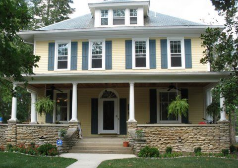 Best 25 yellow house exterior ideas on pinterest yellow for Terrace color combination