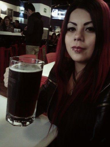#blackmetalgirl #Rouge #beer #cerveza #metalhead #puercing
