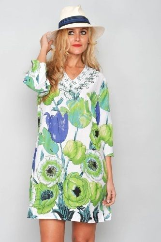 Tunika Water Lily - Härlig tunika med fräsch mönster av stora gröna och blåa blommor- Stop and smell the flowers!