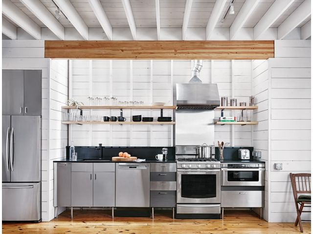 A simple contemporary farmhouse in East Austin provides its bachelor homeowner with the lifestyle he always wanted.