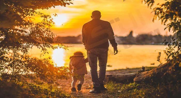 تفسير حلم رؤية الخال في المنام دلالات الخال في الحلم للعزباء والمتزوجة والحامل والرجل معنى الخال الميت رؤيا الخال ي Book Rentals Father Son Photos Parenting