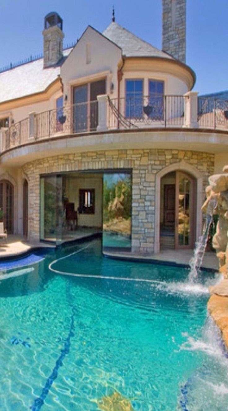 Luxury homes with amazing pools garden pool fun for Pool and pool house