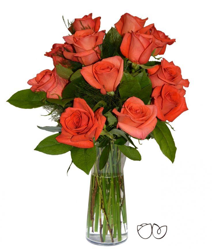 Ramo de Rosas Naranjas *Nadie como tu* Una docena de preciosas y alegres rosas de color naranja para enviar a una amistad o a un familiar