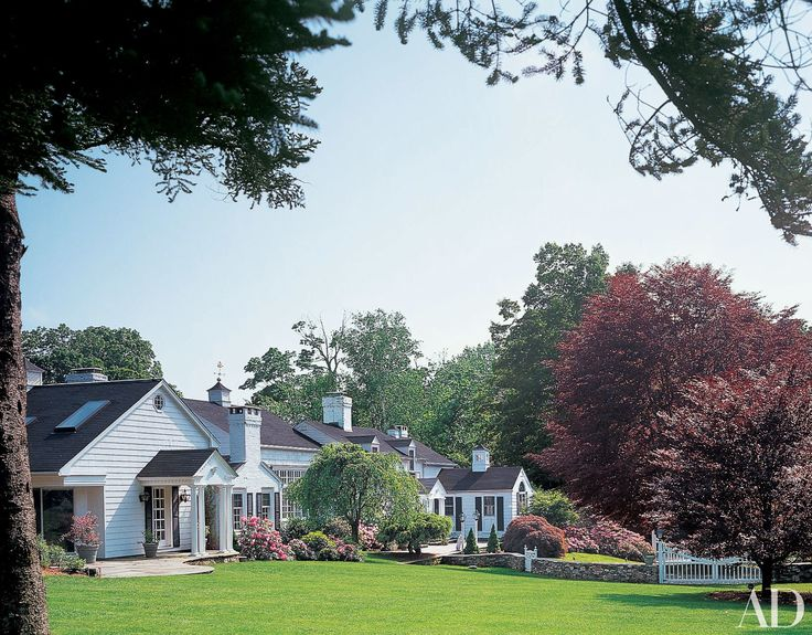 1000 ideas about white exterior houses on pinterest - Beautiful exterior house paint colors ...