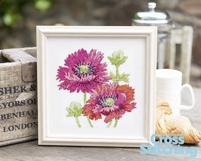 Cross stitch pattern – Pretty poppies. Summer style! Stitch this project exclusive from top designer, Lesley Teare. Look for this vibrant, easy-make design in the new issue 220 of The World of Cross Stitching magazine