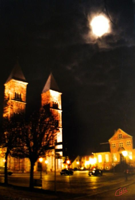 Midnight Fullmoon Cathedral Church, Viborg