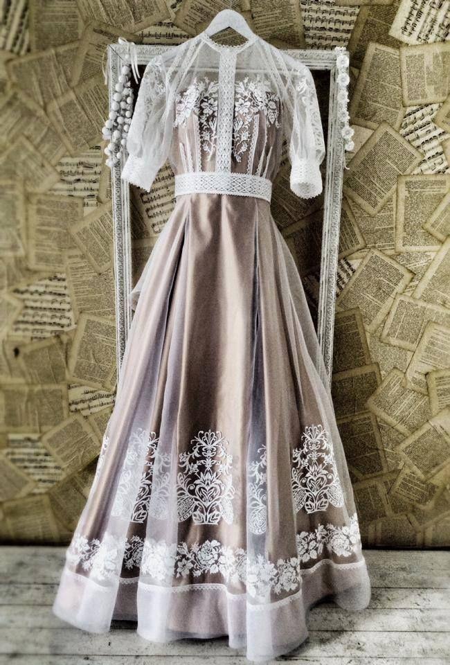 Ukrainian ethnic style wedding dress from designer Oksana Polonets.   http://polonets.prom.ua/