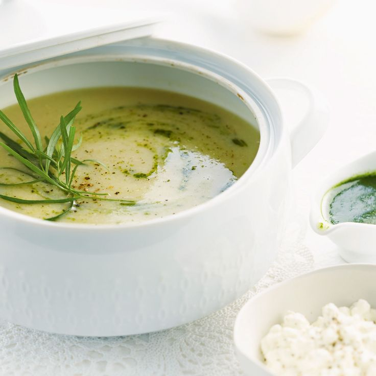 Découvrez la recette Soupe d'artichauts sur cuisineactuelle.fr.
