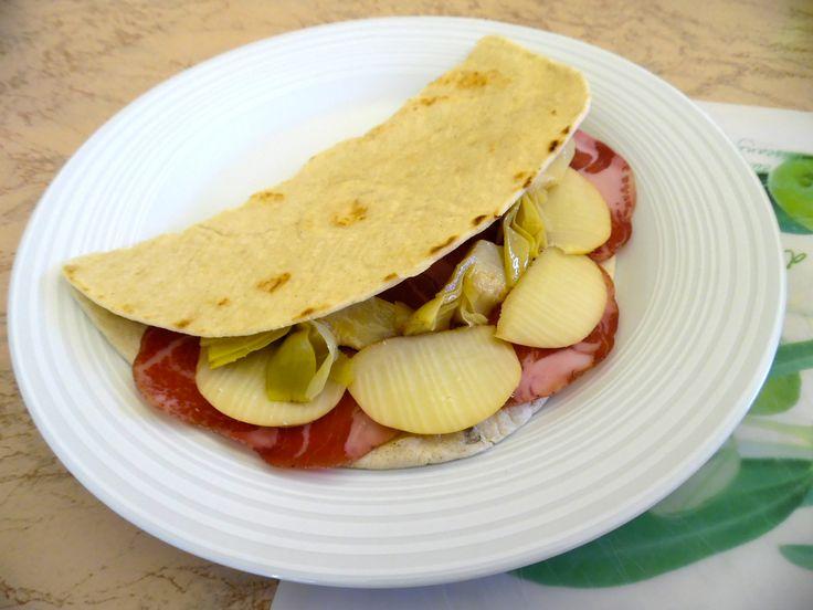 Piadina coppa,carciofi e scamorza (no ricetta)