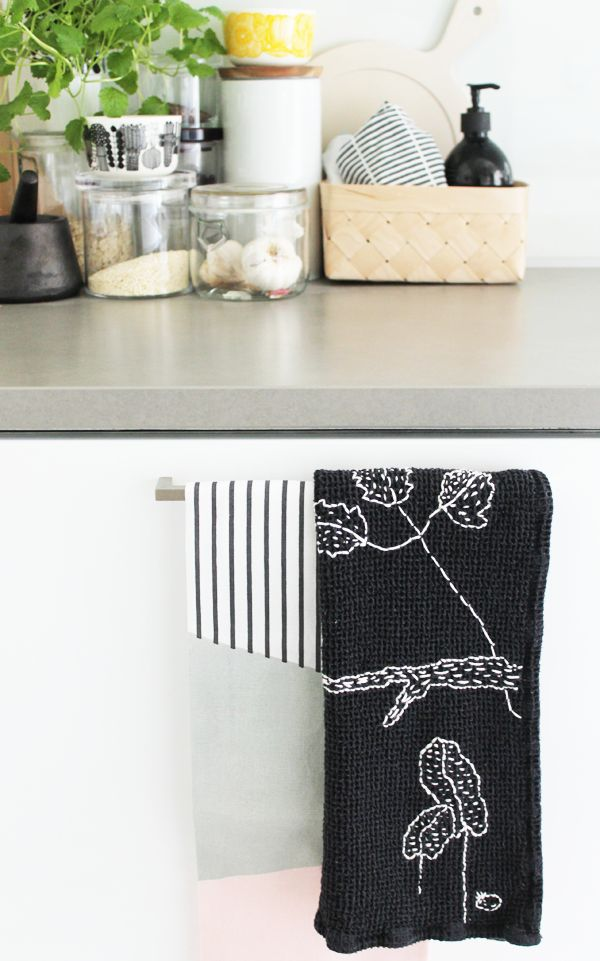 "DIY - embroidered tea towel inspired by the Finnish designers Saana ja Olli ""Myrksyn jälkeen"" -print."